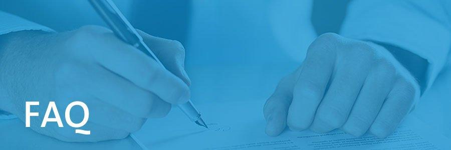 Zwei Hände und ein Stift